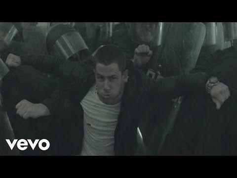 Nick jonas chains