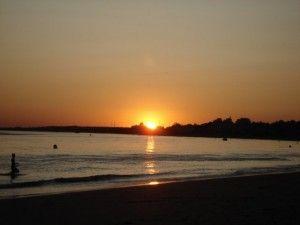 Imagen por Deco Luisa<br/>La tomé en la playa del Portil en Huelva. Es un atardecer en la playa.  Atardecer maravilloso en el Portil
