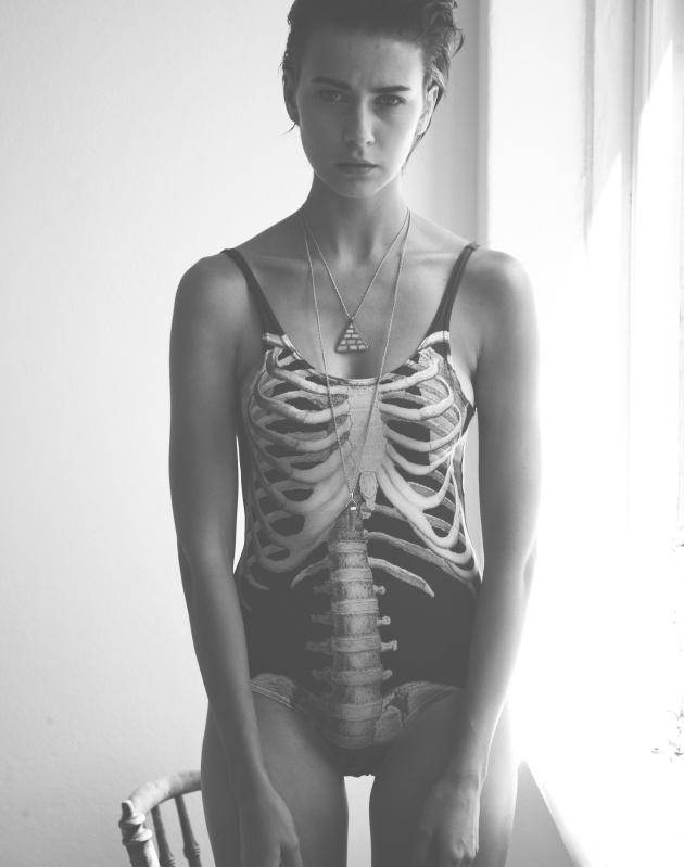 Spine swimsuit in black