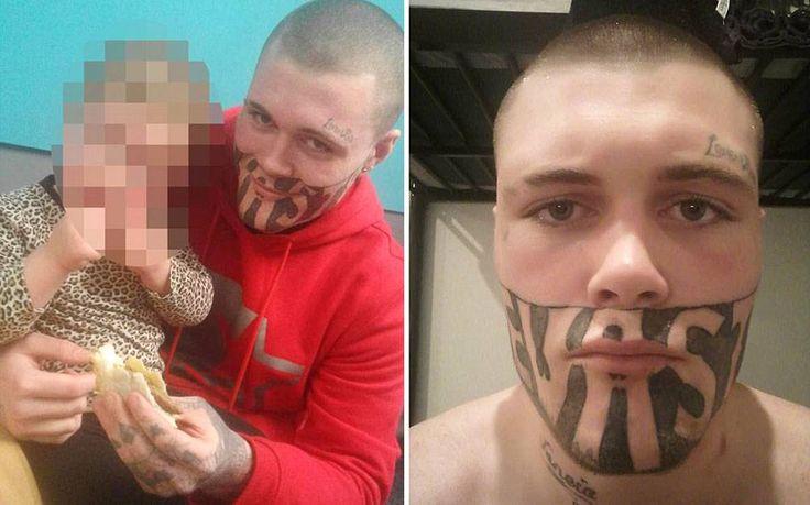 Após fazer tatuagem, jovem tem dificuldade para encontrar emprego