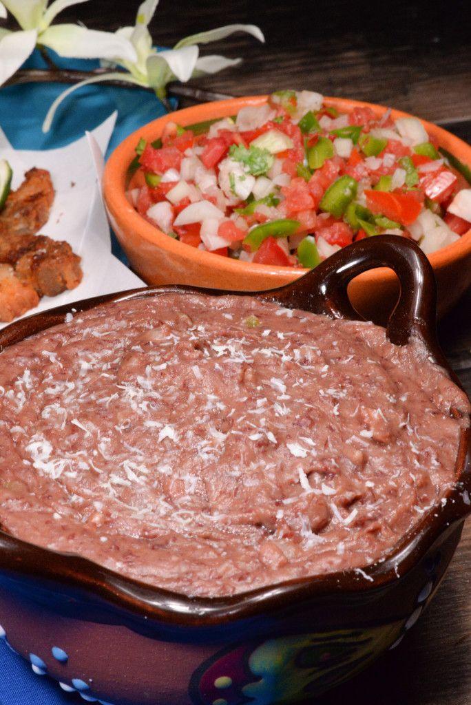Honduran Frijoles Refrito - Un plato perfecto por nachos. Esta receta es mucho mejor que la comida en latas.
