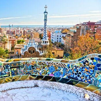 Une des places les plus touristiques de Barcelone, le parc Guel de Gaudi ! http://www.voyage-langue.com/ More