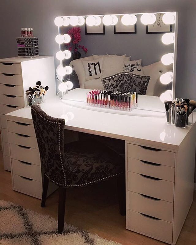 We love making your vanity dreams come true ✨ Beautiful vanity station from @samixo26 features our #ImpressionsVanityGlowPro and IKEA's Linnmon table top and Alex drawers.