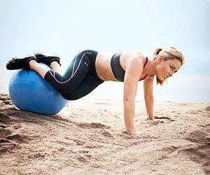 Olympic Skier Lindsey Vonn's Lower-Body Workout: Twist Tuck