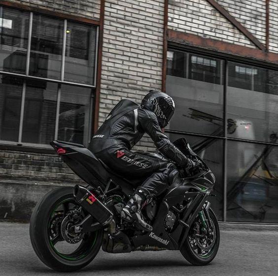 BADASS BIKER – #Badass #Biker   – Auto und Mädchen –   #Auto #Badass #Biker #M….