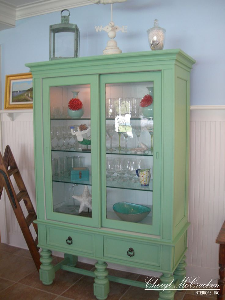 17 Best Ideas About Painted Curio Cabinets On Pinterest