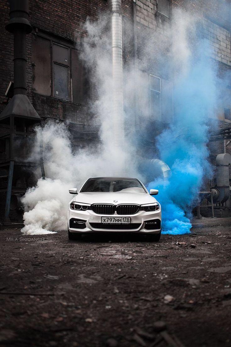 что фото машины в дыму новой