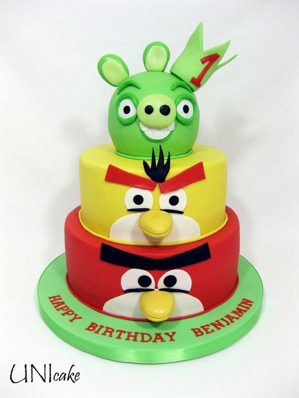 C88.  Angry Birds -kakku.  Angry Birds cake.