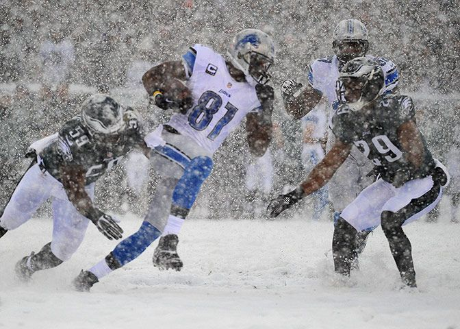 Credit: Jeffrey G. Pittenger/USA Today Sports Detroit Lions wide receiver Calvin Johnson (81) runs with the ball after a catch