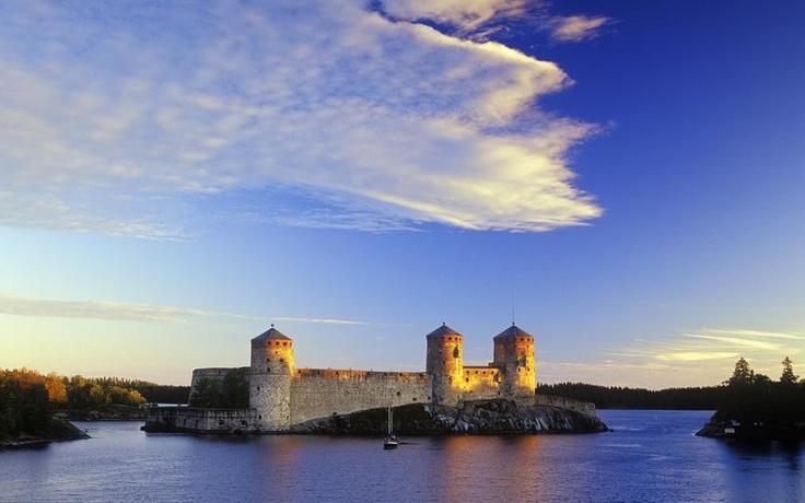Olavinlinna (St. Olaf's Castle), Savonlinna, Finland - Pixdaus
