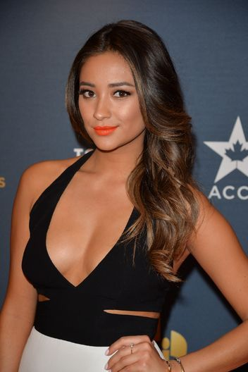 Shay Mitchell's bright coral lips. Prom 2014.