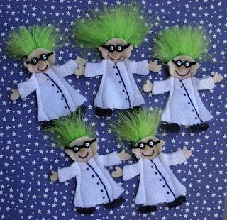 Crack of Dawn Crafts: Mad Scientist Felt Finger Puppets