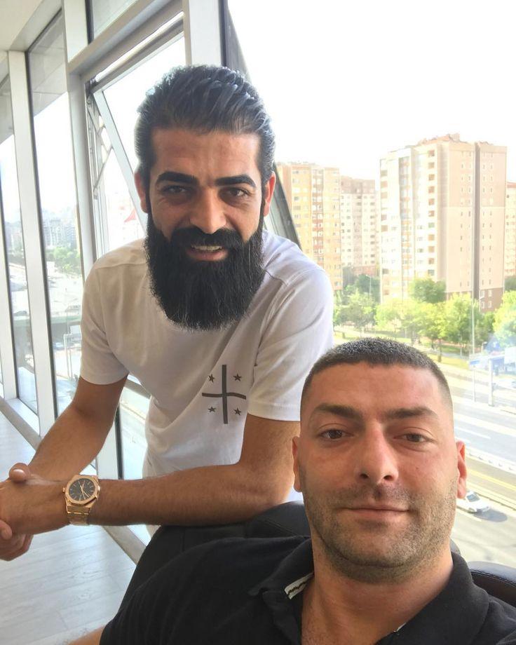 #nofilter#kardeş#bro#brother#kardeşim#hair#hairstyle#hairman#hairmen#beard#beardstyle#Maintenancetime#bakım#şart#saç#sakal#sakallı#adam#shave#selçukardaboutique#turkey#istanbul http://turkrazzi.com/ipost/1524755509842874953/?code=BUpBQ7FgRJJ