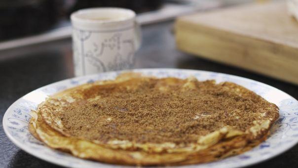 Eén - Dagelijkse kost - pannenkoeken met chocolademelk