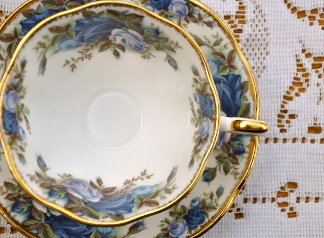 Something Vintage Rentals Antique China Tea Cups And Decor Photo Gallerysomething Vintage