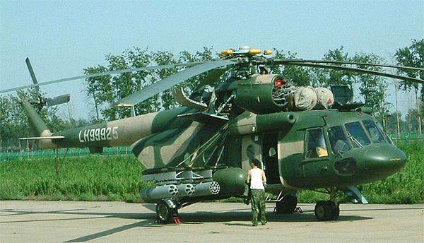 pilones externos para transportar vainas de ametralladoras, lanzagranadas no guiadas de 57/68 mm, bombas de 250 / 500kg y tanques de combustible. Sin embargo, a diferencia de los helicópteros armados Mi-8TV
