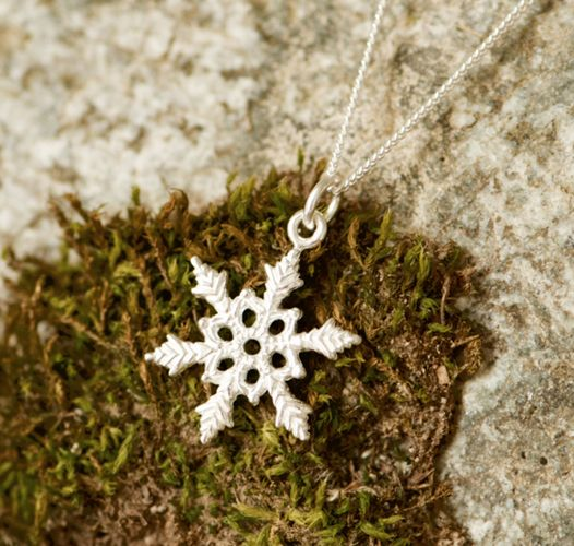 Inspired by our original larger #snowflake pendant, but even smaller. A #unique design of course, as no #snowflake is the same. The pendant is #handcarved from #wax and cast in #bronze and dipped in #silver. The fine curb chain is sterling silver and perfect for daily wear. Snowflake: 2cm Chain: 18 inch sterling silver #handcrafted #handmade #winter #gift #jewelry#Fashion