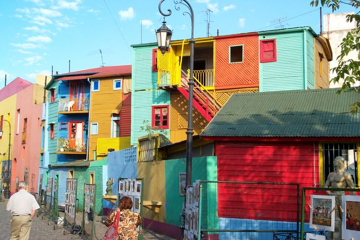 Caminito, a colourful old suburb in Buenos Aires, #Argentina kept for tradition in the original colours, street lights.