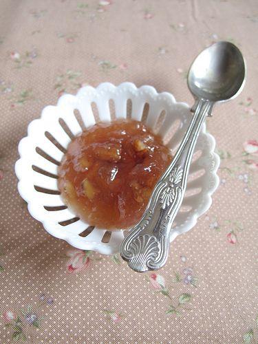 Marmellata di pere, noci e cannella