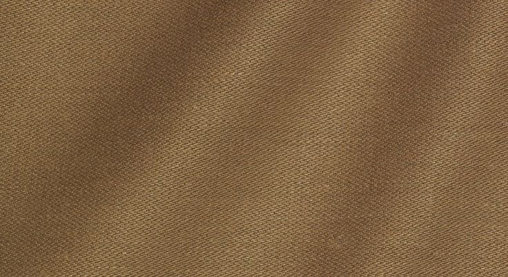 Fabric made of bast fibers, 81% flax and 19% hemp. The yarn, woven into a dense fabric, is used for the realization of clothing.