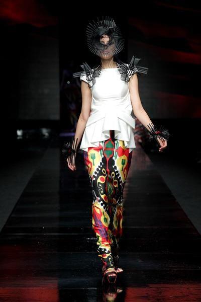 sebastian gunawan - dewi fashion knights 2011