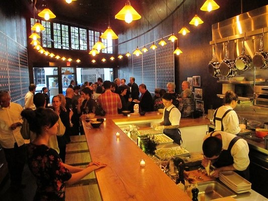 Plum Bar Oakland Love This Place For Drinks Want To Try The Burger Tails Pinterest Restaurant Restaurants And