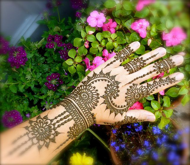The beautiful work of Heartfire Henna. heartfirehenna.com