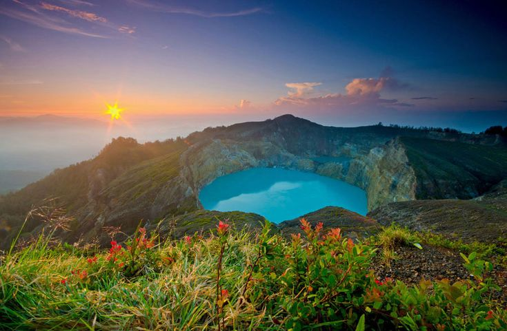 Three Colored Lakes in Mount Kelimutu.  (25 reasons why you should never travel to Indonesia)