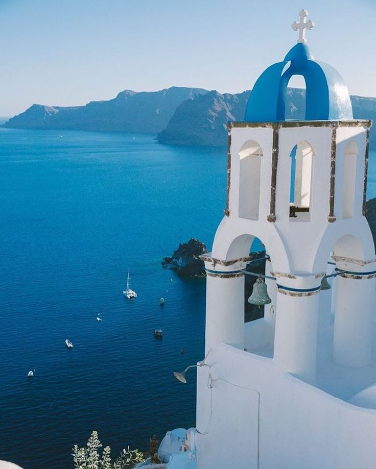 #santorini #greece #holiday #sea #sunset #travel #vacation #luxury #summer #seaside #bilionaire #lifestyle http://tipsrazzi.com/ipost/1524774611735386450/?code=BUpFm5HBZlS