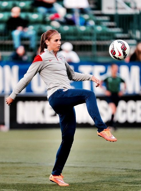 alex morgan and uswnt image