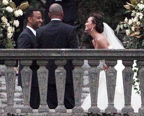 John Legend, Chrissy Teigen Marry in Italy -- See Her Wedding Dress! - Us Weekly