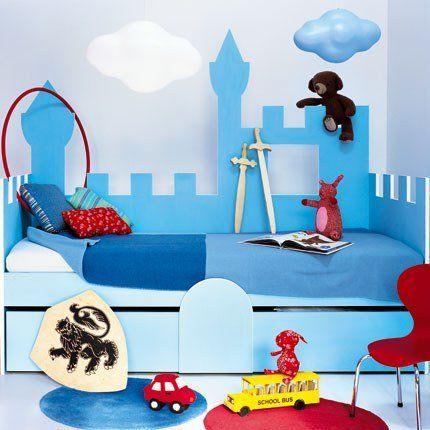 les 25 meilleures id es de la cat gorie construire un lit sur pinterest lit fait maison cadre. Black Bedroom Furniture Sets. Home Design Ideas