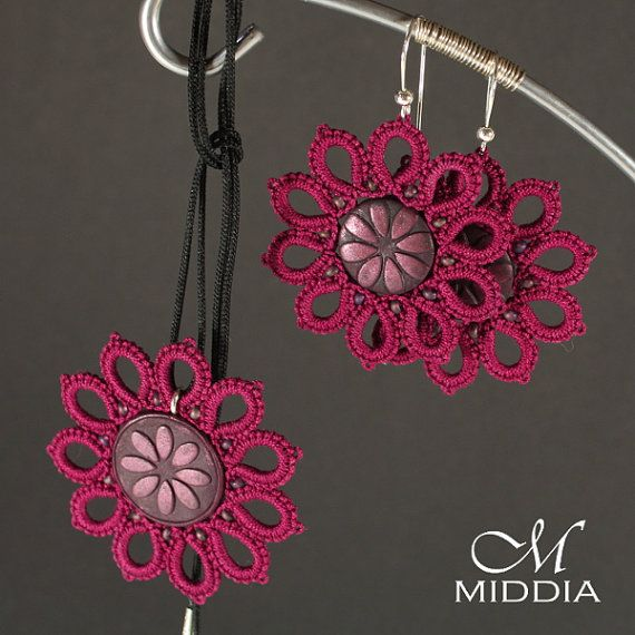 Pendant and earrings set. Dark Pink by Middia