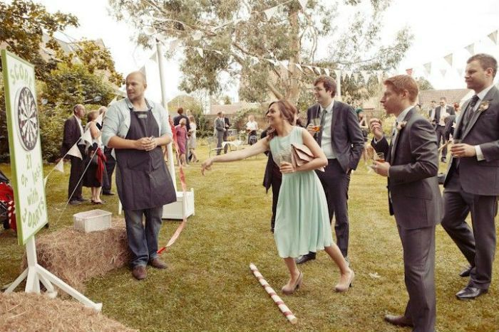 Des fléchettes à un mariage ! Super idée !