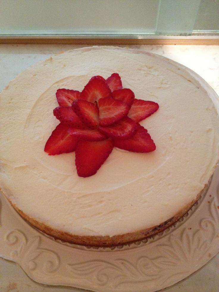 Strawberries and Cream Cheesecake | Dessert | Pinterest