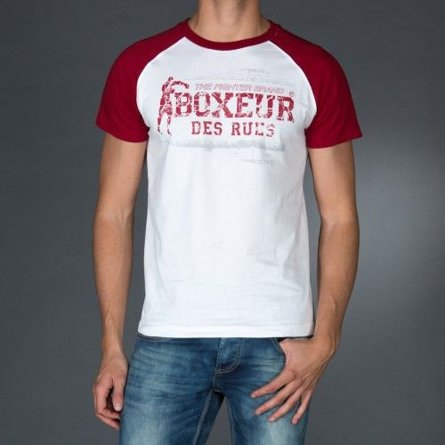 Round neck raglan t-shirt with big logo print on front and back.Contrast color sleeves.  € 26.90 SALE > € 17.90