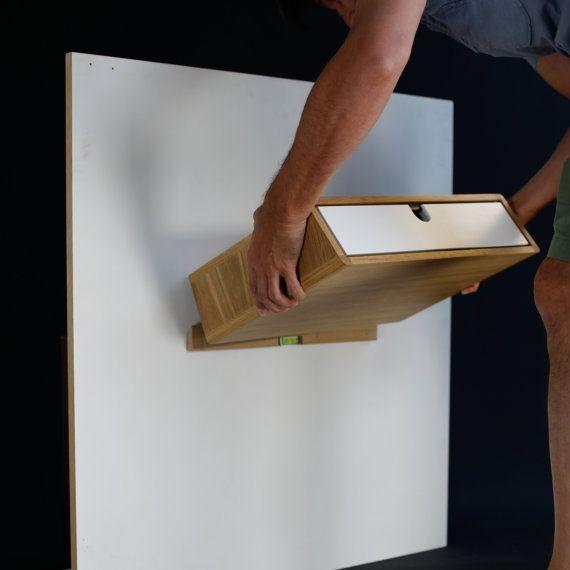 die besten 25 nachttisch naturholz ideen auf pinterest eckregal h ngend holz diy nachttisch. Black Bedroom Furniture Sets. Home Design Ideas