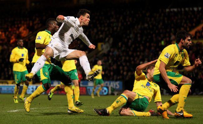Prediksi Pertandingan Tottenham Hotspur vs Norwich City. Tottenham wajib jaga gengsi agar tidak mendapat malu dikandang sendiri. Dimana pada pertandingan sebelumnya Tottenham memiliki catatan cukup baik di laga pertandingan di UEL memiliki 1 kemenangan dengan Monaco dengan skor 4 – 1. Pada laga pertandingan di PRL memiliki 2 pertandingan dengan skor imbang, 1 kekalahan dan 1 pertandingan dengan kemenangan saat bertemu dengan Southampton dengan skor 0 -2.