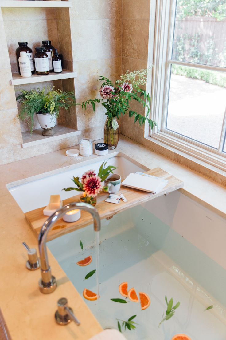 5 Women Who Took a Brave Leap of Faith To Find Happiness – 6 Steps to Creating the Ultimate Spa-Worthy Bath at Home - Camille Styles Home Spa Decor, Home Spa Room, Spa Day At Home, Spa Rooms, Bathroom Spa, Bathroom Colors, Bathroom Ideas, Shower Ideas, Spas