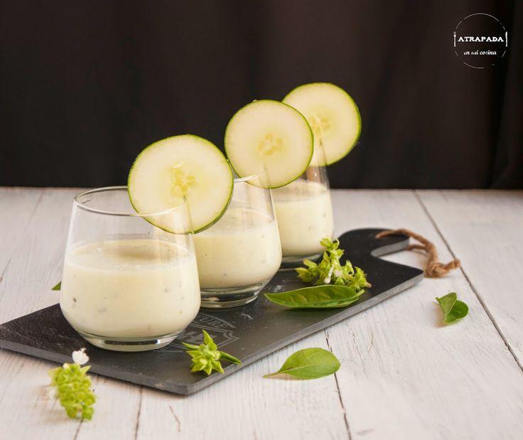 Crema de pepino, yogur y albahaca