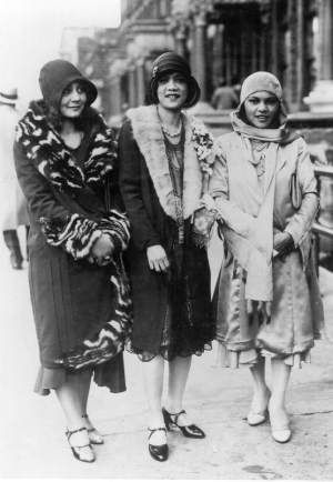 Women of the Harlem Renaissance- as the 20s turned into the 30s, baring calves became less shocking.