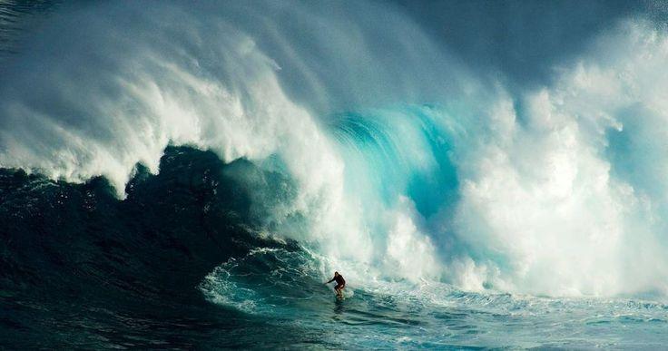 Bon dia! Vive al extremo exprime el día no te pierdas nada... si te encuentras con algo malo seguro que encontrarás también algo bueno #vida #life #surf #surfing #agua #water #hawaii #pacifico #pacific #oceano #ocean #extremo #extrem #surfer #maui #olas #waves #adrenalina #adrenalin // Fot.: B. Christopher