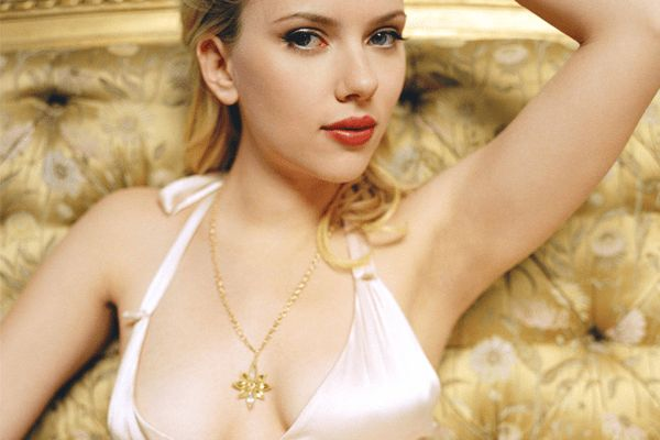 Top 10 Hottest Hollywood Actresses Under 40