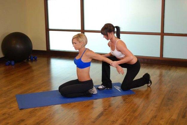Contrattura della spalla: sintomi, esercizi e rimedi [FOTO] | Tanta Salute