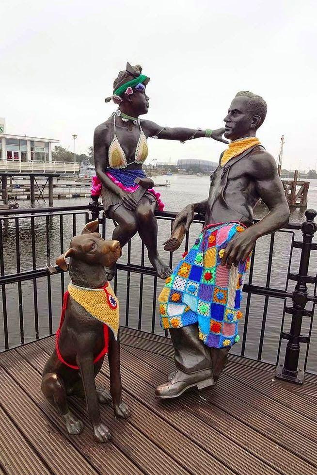 """Милые сердцу штучки: """"Уличное вязание (yarn bombing)... или сделаем мир веселее!"""""""