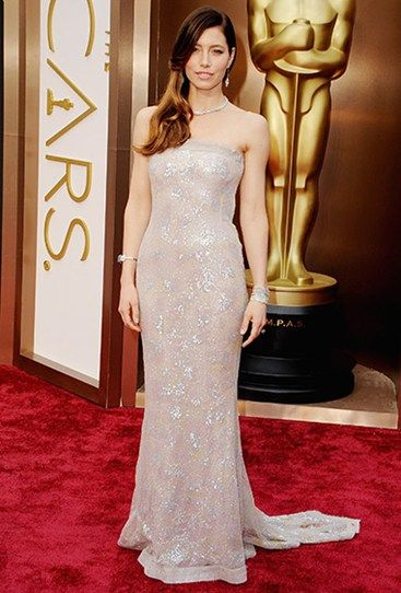 Where's Justin, eh Jessica Biel? The actress turned up solo in this sparkly strapless number. #Oscars