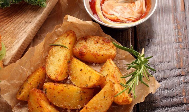 Πατάτες φούρνου με πάπρικα (Σχόλιο: οι πατάτες να είναι κομμένες όπως στη φωτογραφία κι όχι φέτες)