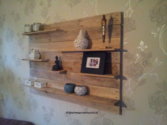 Leuk houten wandmeubel van gerecyclede pallets