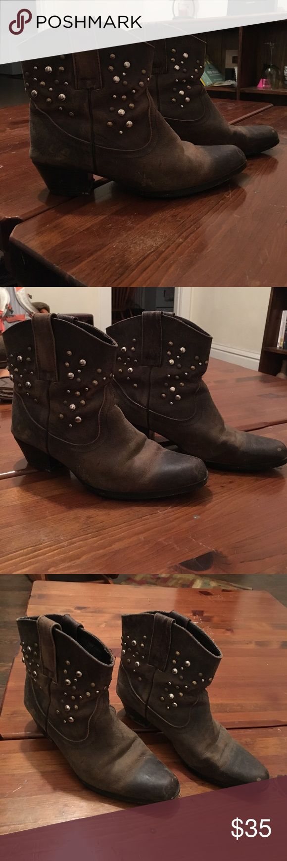 Short Studded Cowboy Boots These Oak Tree Farms studded cowboy boots are perfect for any occasion, especially country concerts! Worn only a handful of times, these boots are definitely the perfect addition to any wardrobe. Feel free to make an offer!! Shoes Ankle Boots & Booties
