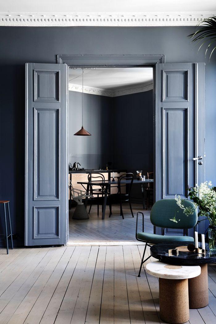 Grijs blauwe interieur kleur deuren